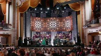 Christmas Under the Stars 2017- Gladys Knight and Friends